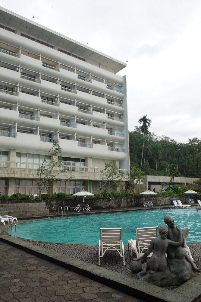 Hotelansicht von Pool aus